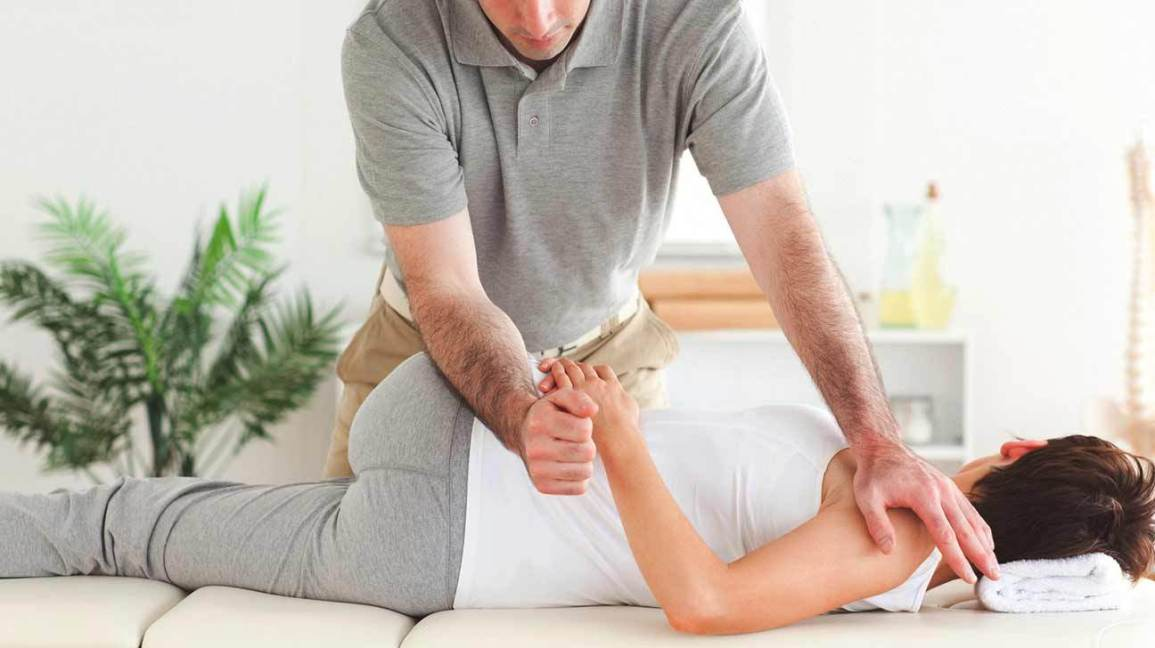 How Can The Best Chiropractor Help You To Recover Soon?